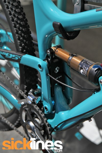 , Yeti SB95C – SB95 Gets a Carbon Option