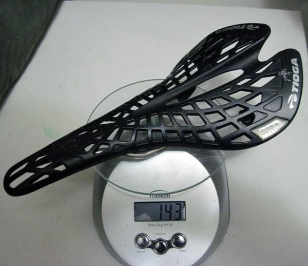 2011 Tioga Spyder twin tail Seat Saddle