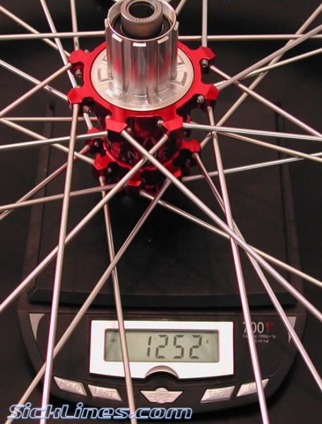 Industry 9 Rear 12 x 135mm DH spokes Mavic 823