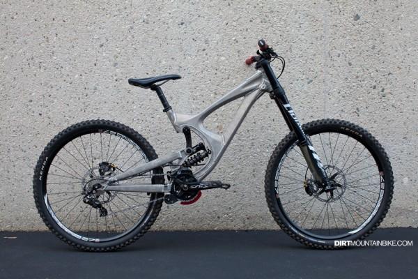 Intense M9 650b / 27.5 Prototype Downhill Bike