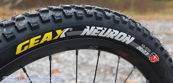 Geax Neuron tires