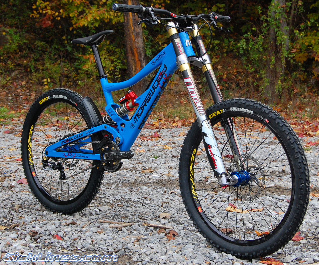 Downhill Mountain Bikes Morewood Makulu click to