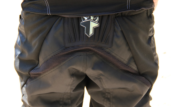 , Spotlight: THE Industries F-1 Jersey and Shorts with Golf Skinz Gloves