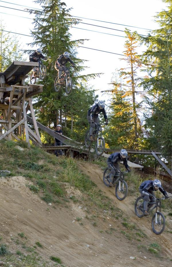 187 2007 Banshee Chaparral Sick Lines Mountain Bike