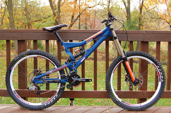 187 2009 Mongoose Boot R Sick Lines Mountain Bike