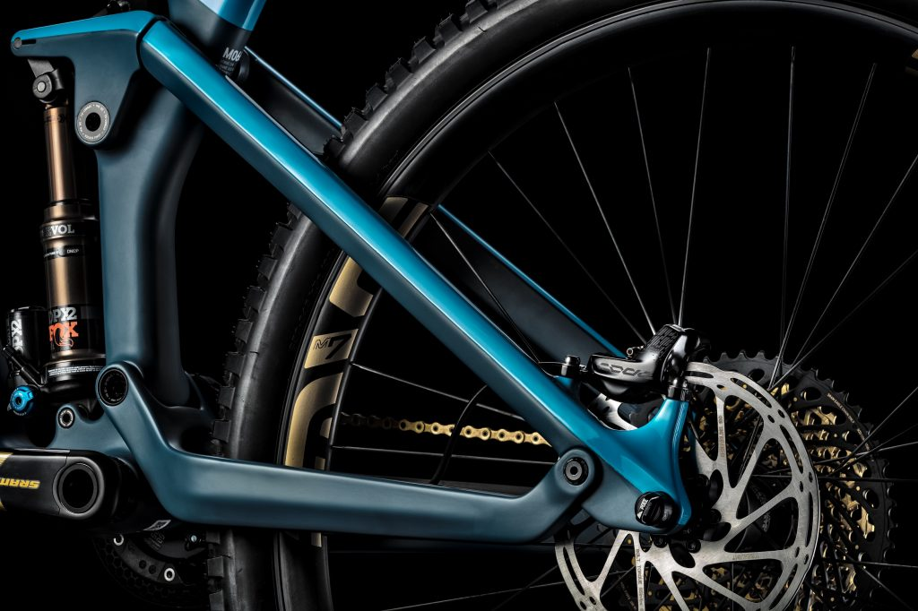New 2019 Canyon Strive Gets 29″ – Shapeshifter Suspension Offering