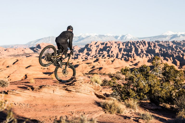 Stoppie- Transcend_Moab_WideViewNoserideRearview1